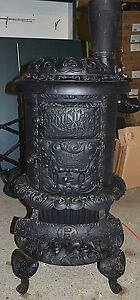 Victorian Round Oak Cast Iron Wood Stove By P D Beckwith Door Model E18 Vintage