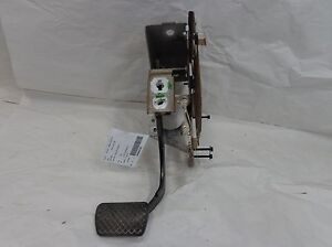 Chevy Equinox Brake Pedal Assembly Oem 2005