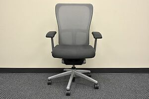 Haworth Zody Ergonomic Ergo Fixed Arms Swivel Mesh Office Task Chair Gray Black