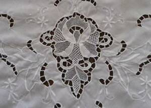 Vintage White Linen Point Venise Needle Lace Tablecloth Hand Embroidered 95