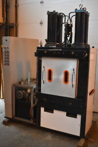 Vacuum Hot Press Laminating Molding 4 Platen 4 Post Oem Programmable