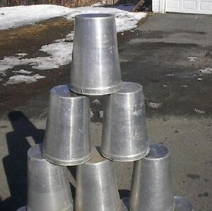 Ready To Use 20 Maple Syrup Sap Buckets Round Lids Covers Taps Spouts Spiles