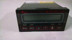 Dwyer Digihelic Differential Pressure Controller Dh 015 2 5 0 2 5 W c New