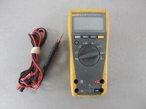 Fluke 179 True rms Trms Digital Multi meter Handheld Multimeter W Leads