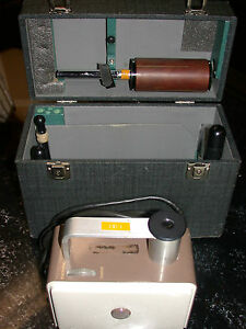 Victoreen Radiation Condenser R meter X ray Meter Model 570 Multiple Attachments