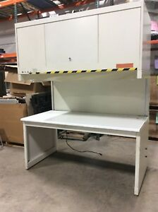 Clean Air Cap 412 6 Vertical Laminar Flow Workstation Bench Hepa Lighted 120vac