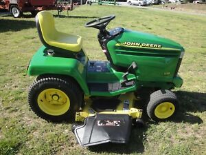 Very Nice John Deere 335 Riding Mower With Only 495 Hours