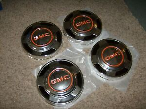 Mint Condition Gmc Pickup Truck Dog Dish Hubcaps Nos Set Of 4 10 5