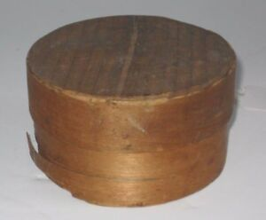 19th Century Small Round Shaker Wood Tacked Pantry Box With Lid