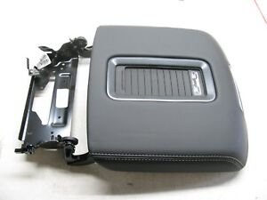 New 15 16 Tahoe Surburban Yukon Center Console Lid W Phone Charger 23267172 Lid
