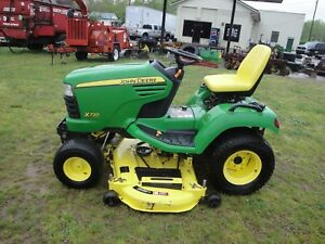 Very Nice John Deere X720 Riding Mower