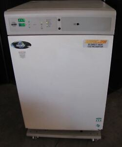 Nuaire Model 5510 Co2 Air Jacketed Incubator 2372