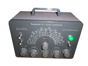 Heathkit Sg 8 Signal Generator With A Few Accessories please See Photo