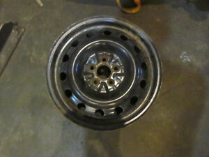 2006 Subaru Forester Steel 16x6 5 Wheel See Pictures