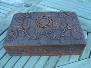Fab Antique Large Kasmir Indian Carved Jewllery Box Beautifully Carved Lock Inte