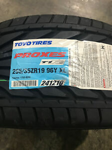 2 New 255 35 19 Toyo Proxes T1r Tires