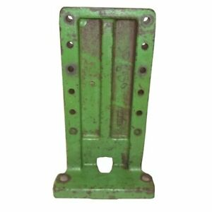 Used Fender Bracket John Deere 4620 6030 4520 5020 R42896