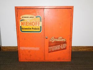 Vintage Old Car Gas Station 27 X 26 Niehoff Automotive Prod Metal Ad Cabinet