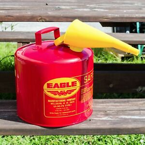 Eagle 5 Gallon Safety Gas Can W Funnel great For Landscapers tree Companies