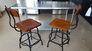 Stainlesssteel Prep Table 30x60 With 2 Chairs