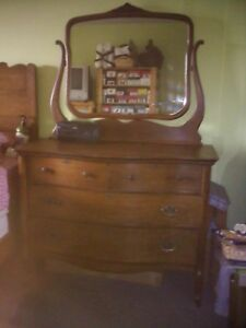 Antique Solid Tiger Oak Dresser With Swing Mirror And Wheels Very Rare