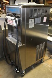 Taylor 794 33 Soft Serve Ice Cream Machine Air cooled 3 ph Electric Mfg 2010 11