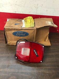 Vintage 1970 s Ford Big Truck Tail Light Back Up Lamp Assembly Nos Fomoco 818