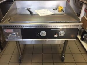 Flat Top Natural Gas Grill Griddle Station 2 Burner Restaurant Grade Quality