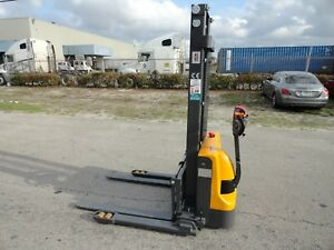 2018 Full Electric Walkie Pallet Jack Stacker Forklift 2 640 Lifting Capacity