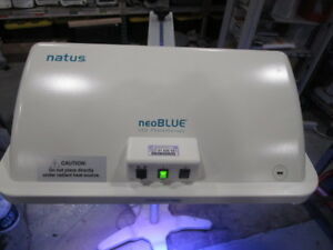 Natus Medical Neoblue Led Phototherapy Light And Rolling Stand