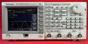 Tektronix Afg3252 Dual Channel Arbitrary Function Generator 1 Mhz To 240 Mhz