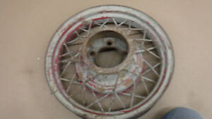 V8 Ford 17 Wire Wheel Mt 2322