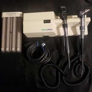 Welch Allyn 767 Wall Unit With 25020 Otoscope 11710 Ophthalmoscope