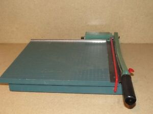 The Trimmer People Paper Cutter 16 b