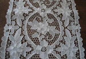 Vintage Point Venise Needle Lace Table Runner White Rose Floral 40