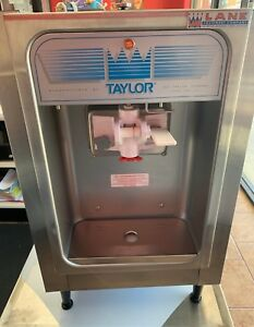 Taylor 152 Soft Serve Frozen Yogurt Machine 2017 New Unopened Packaging
