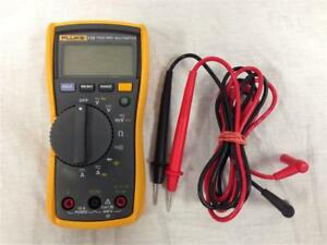 Fluke 115 True Rms Compact Digital Multimeter With Probes leads