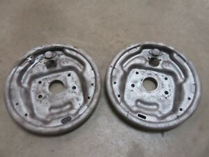 1964 1966 Ford Thunderbird Front Spindle Brake Shoe Backing Plate Set Pair Parts