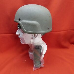 ACH MICH USED Helmet S D  SYS size MEDIUM PADS Chinstrap Gray  M #  36
