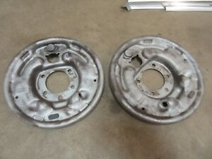1964 Ford Thunderbird Exterior Rear End Brake Shoe Backing Plate Set Pair