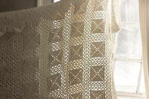 Blanket Vintage Handmade Crocheted Coverlet White Bed Cover 89x103 Inches