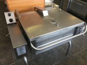South Bend 40 Gallon Electric Tilt Skillet 480 Volt Mint Condition 3500 obo