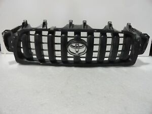 2001 2002 2003 2004 Toyota Tacoma Front Grill Oem P 53114 04010