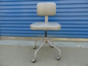 Vintage Steelcase Industrial Swivel Office Chair Rolling Gray