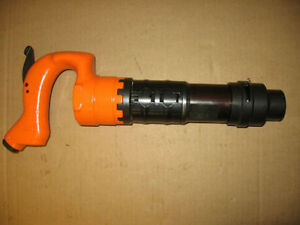 Pneumatic Air Chipping Hammer 3 Stroke Apt 653 R New 2 Bits Whip Hose