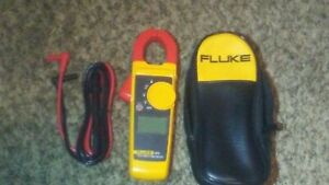 Fluke 323 True rms Ac dc Clamp Meter