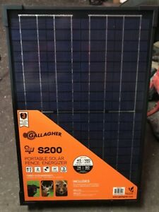 Gallagher S200 Portable Solar Fencer Electric Fence 160 Acre 45 Mile