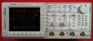 Tektronix Tds524a B010622 Color 2 Channel Digitizing Oscilloscope 500 Mhz