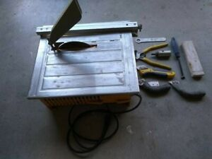 Used Workforce Thd550 Wet Tile Saw With 7 Inch Diamond Blade Accessories