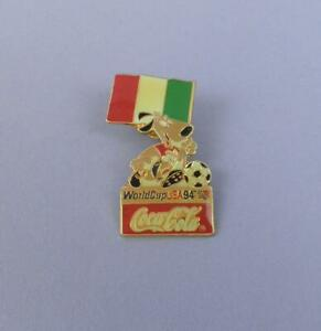 World Cup USA 1994 Coca Cola Pin Badge - Mascot With Italian Flag - Unused